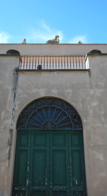 villa-sciarra-catene-2