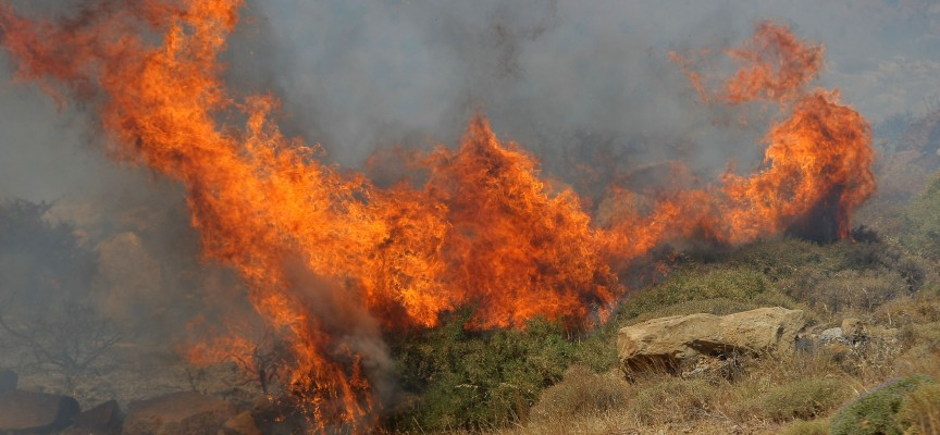 ΚΟΛΑΣΗ ΚΑΙ ΠΑΛΙ ΣΤΗΝ ΧΙΟ-Μαίνεται μεγάλη φωτιά στη Χίο – Έξι τραυματίες