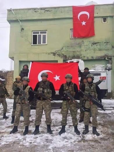 ΤΩΡΑ- Οι ΗΠΑ απομακρύνουν τις οικογένειες της Πρεσβείας τους στην Τουρκια
