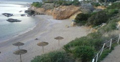 Η μυστική παραδεισένια παραλία της Αττικης
