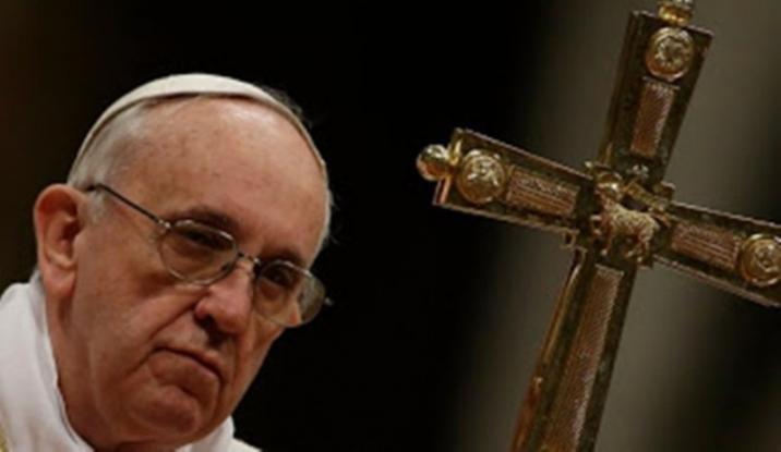 Ο πάπας Φραγκίσκος καταγγέλλει τα «στρατόπεδα συγκέντρωσης» για πρόσφυγες