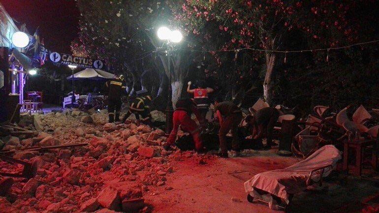 ΕΚΤΑΚΤΟ Δύο νεκροί από τον σεισμό στην Κω Κατέρρευσε οροφή νυχτερινού κέντρου #Seismos