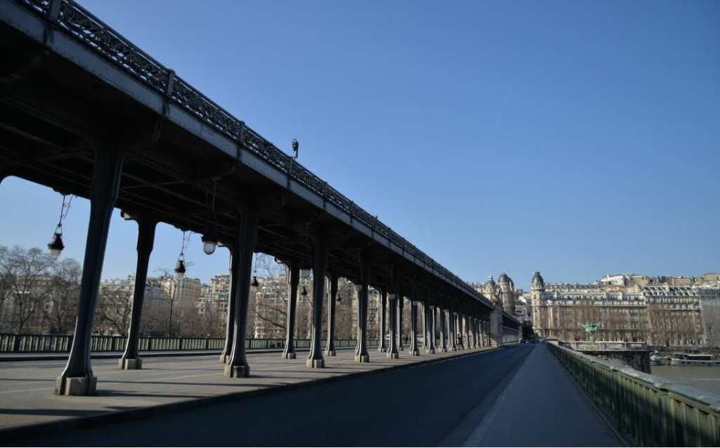 paris, pont bir hakeim, voyage, touriste, tourisme