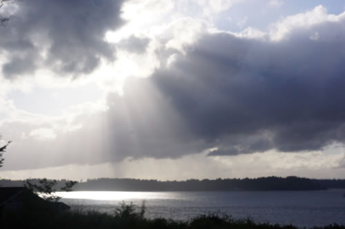 sun_clouds_puget_sound