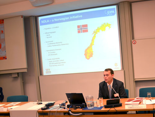 NDLA frequently attends international conferences to present their learning resources and seek collaboration with similar initiatives. Here director presents the distributive organization of NDLA in Maastricht 2011.