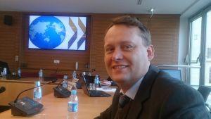 Her presenterer Øivind Høines NDLA for representatner for OECD.
