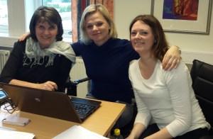 Tyskelærere jobber med film. Fra venstre Doris Kapstad Etnan, Carin Samnøy og Anna Maria Holvik.