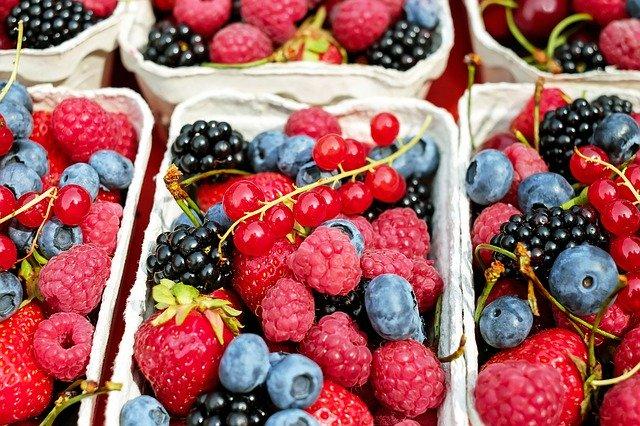 image de fruits rouges qu'on peut trouver au printemps