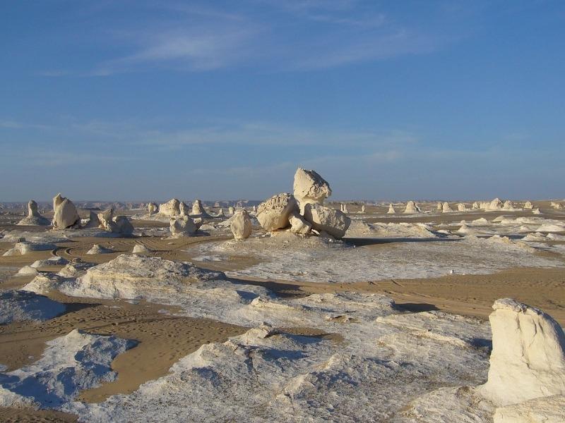 Le désert blanc, un des lieux incontournable à visiter en Égypte