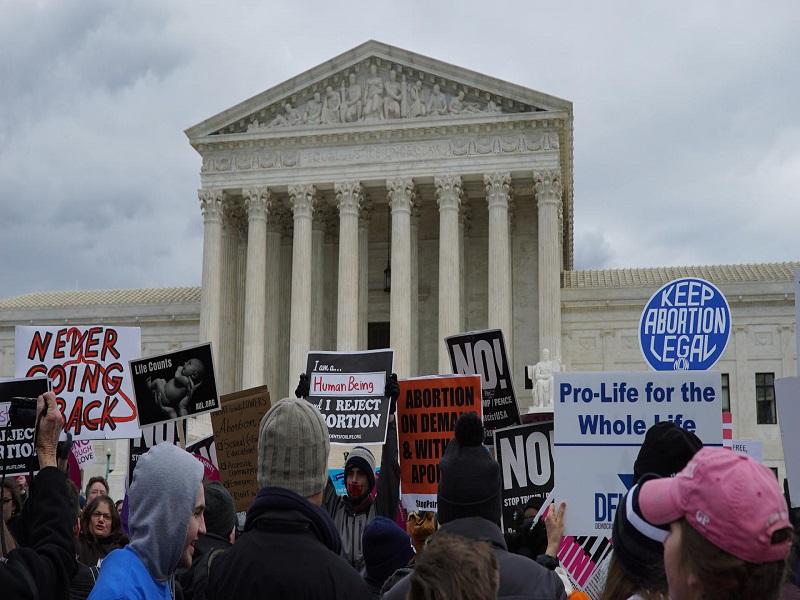 Roe v. Wade : la véritable histoire de l'avortement.