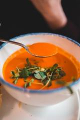 Soupe de carottes au curcuma et au gingembre   Source : Erik Mclean @ Pexels