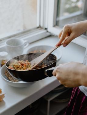 Cuisiner sainement pour garder une meilleure santé.