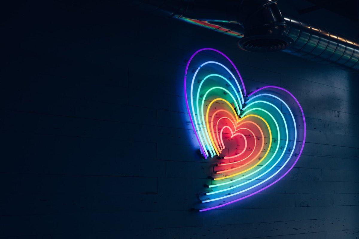 Coming out: Demi Lovato révèle se définir comme non binaire
