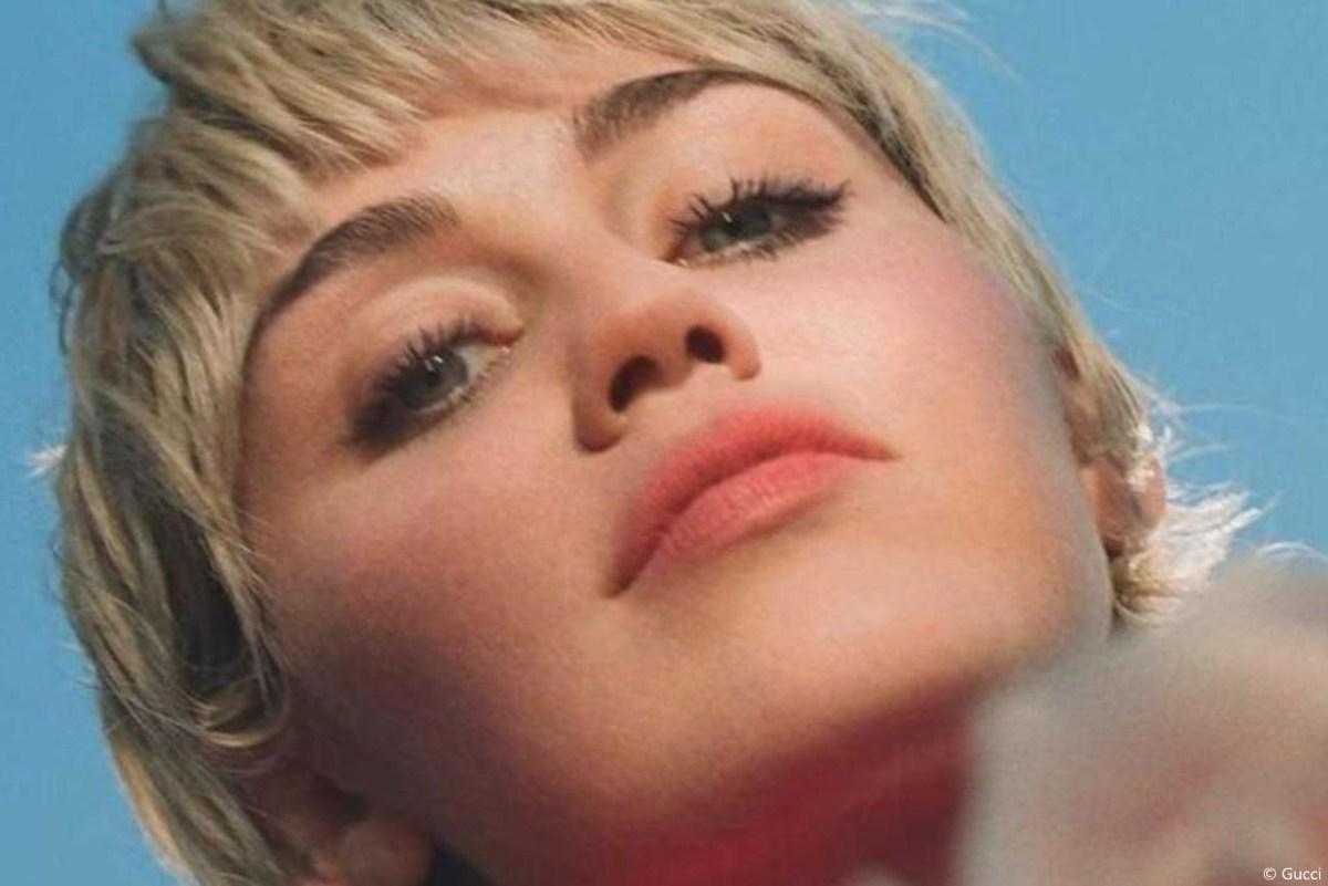 Miley Cyrus est la nouvelle ambassadrice de Gucci Beauty