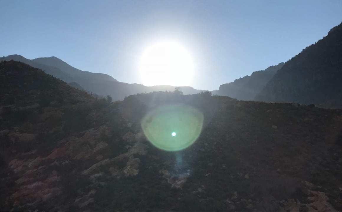 Jordan Trail - the blazing sun at 08h30 in the morning.