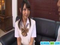 清純系黒髪美少女のパイパンおまんこをハメちゃうチューブエイト動画