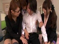 美人女教師達が生徒を痴女攻めしてるチューブエイト動画