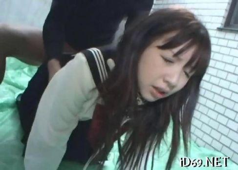 セクシー女優の早乙女美奈子がセーラー服姿で激しくレイプされて号泣してるおまんこ動画無料