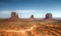 Monument Valley - The three sisters