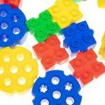 مبتكر مكعبات خماسية مميزة