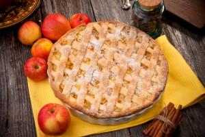 Kürbis-Apfelkuchen-mit-Erdnüssen-300x200