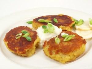 Kartoffelplätzchen mit Joghurt Dip