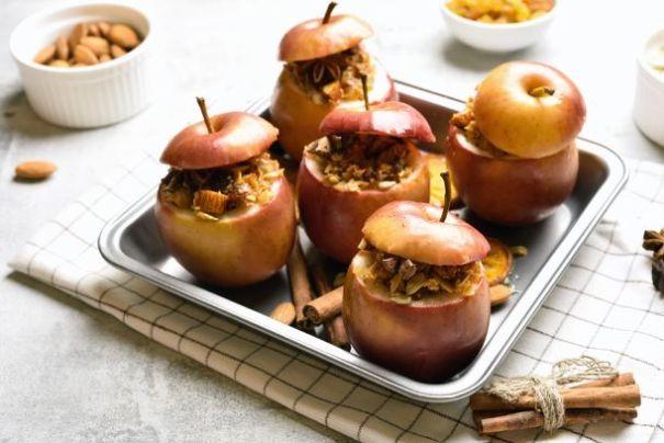Bratäpfel mit Nüssen