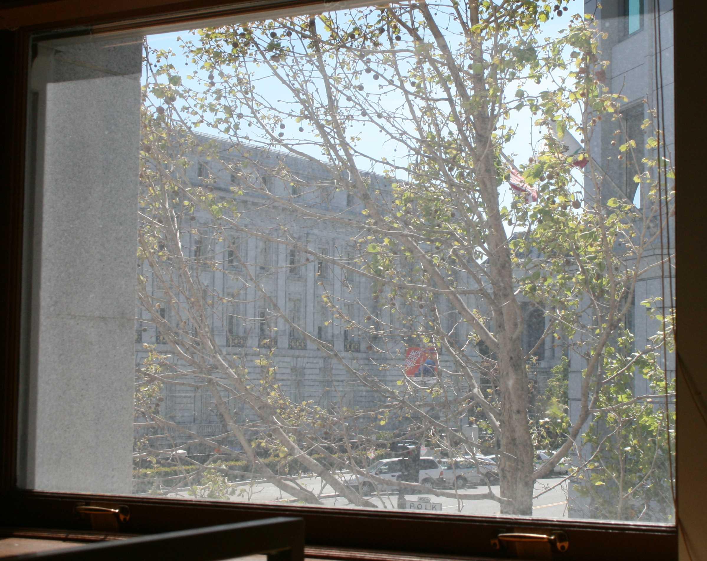 20090416_window-from-desk