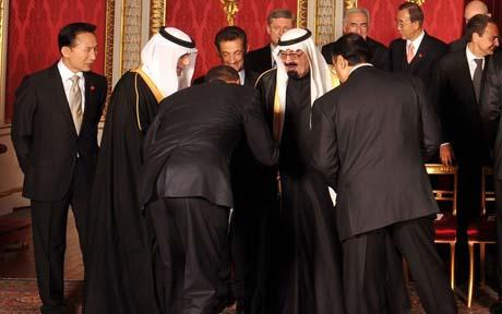 Obama bows to King Abullah of Saudi Arabia