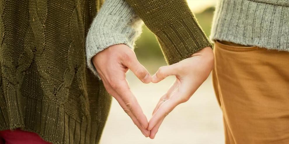 Love, Love Sign, Romantic Love, Teenage Love Advice, Love Sign for Girls, Love Sign for Boys