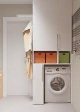 Шкафчик со стиралкой и водонагревателем внутри