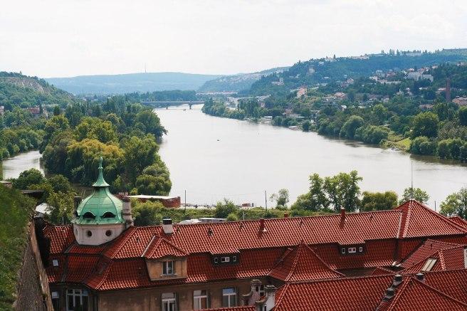 Вид с южной смотровой площадки Вышеграда.