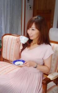 結婚相談所でお茶の飲み方が習える