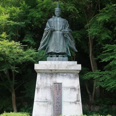 八幡公園_豊臣秀次像