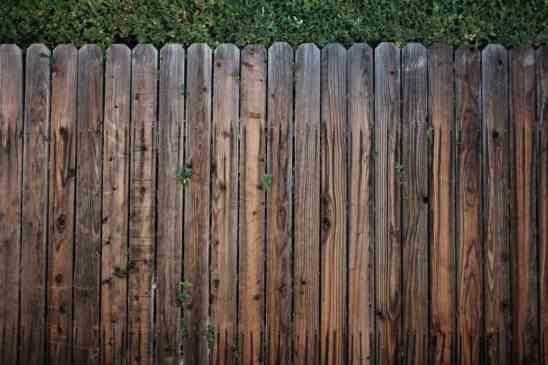 montaža vrtne ograje
