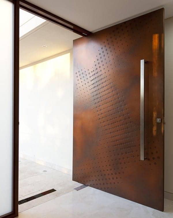 moderna vhodna vrata cena 10