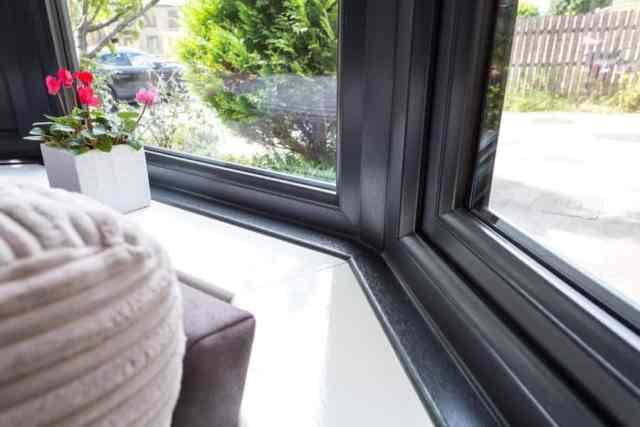 dodatki-za-okna-okenske-police