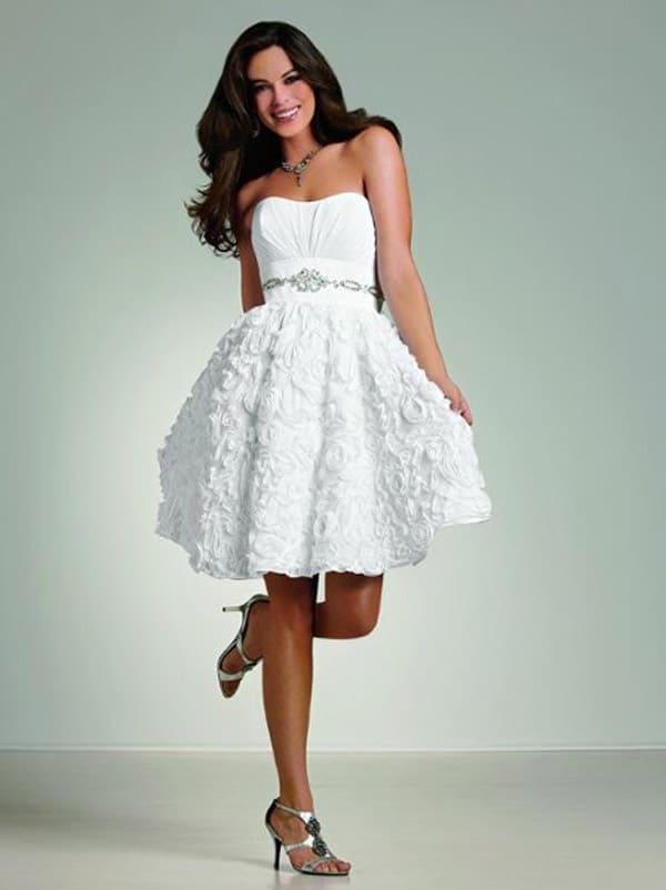 kratka-poročna-obleka-lastnosti