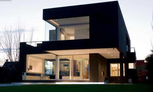 barvanje-fasade-crna-barva