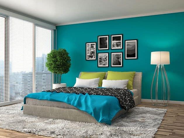 interier-design-kombinacija-bele-in-drzne-barve