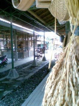 Foto-foto sudut, lorong dan hewan peliharaan yang dijajakan di Pasty Jogja (3)