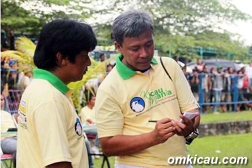 Om CJ (kanan) saat menjadi Korlap Panitia di Lomba HUT KM Jateng, Juni 2012.