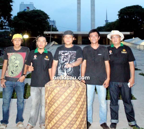 Darwin (tengah) - MB Kitaro double winner