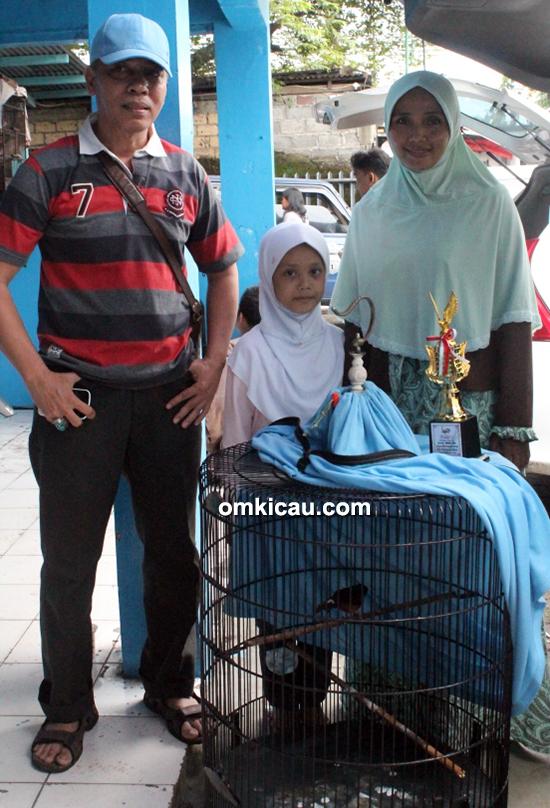 H Fathulloh dan keluarga