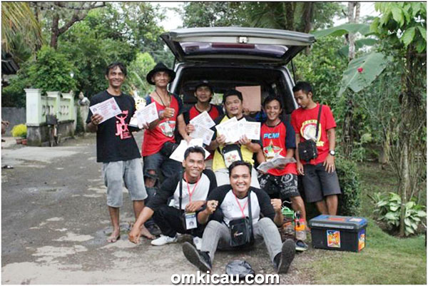 H Agus Tatang bersama personel Duta Munas PCMI