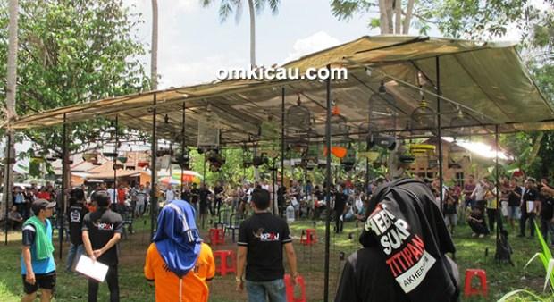 Lomba burung Road to 2nd Anniversary KPKJ di Jambi