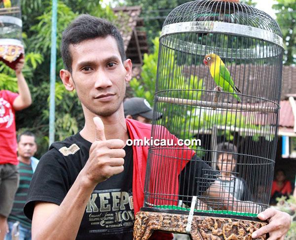 Om Anthok dan lovebird Srikandi
