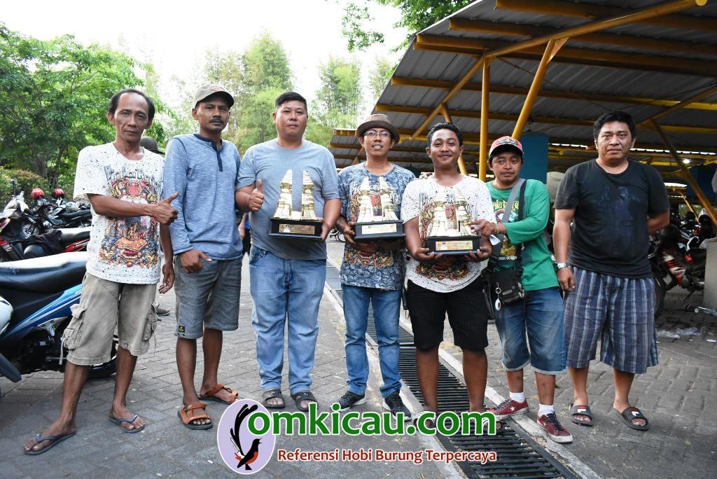 om Alex (3 dari kiri) sukses kawal Godong hingga merebut gelar quattrick