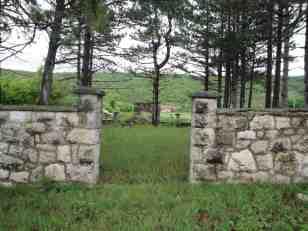 Stanje spomenika u Čelebiću pre obnove, maj 2013. godine