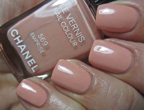 CHANEL Emprise swatch